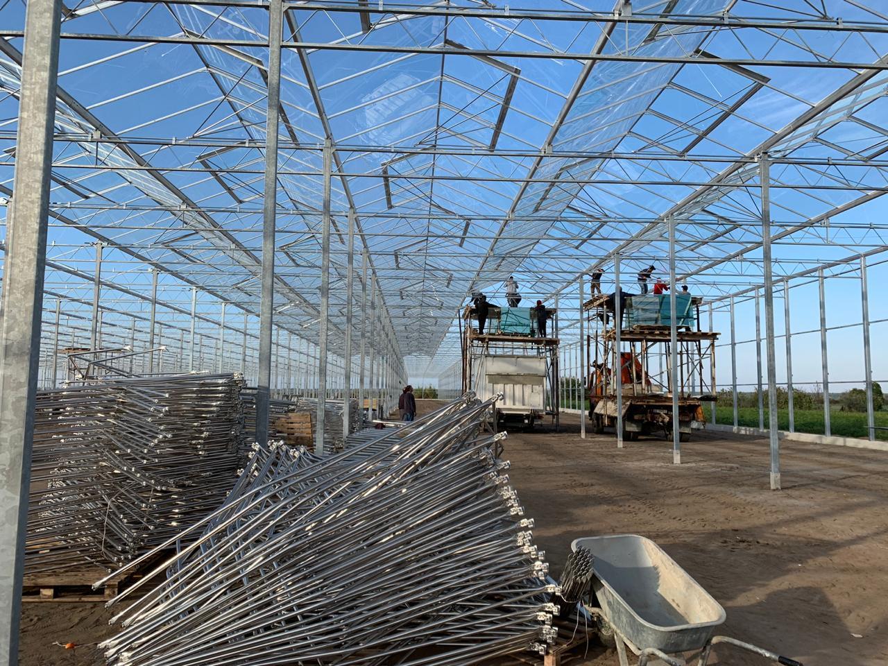 智能温室大棚覆盖材料的安装.jpg