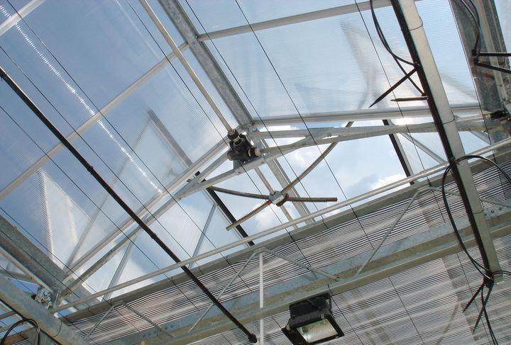 将顶部屋脊通风口位置提高、四周通风高度增高。.jpg